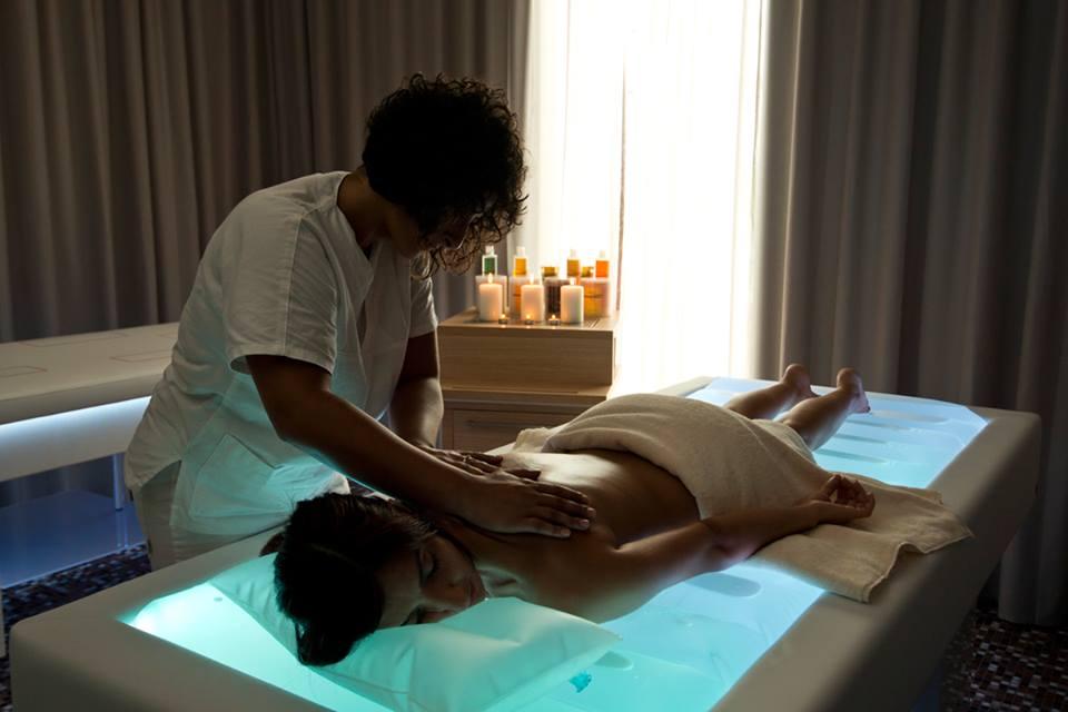 Lettino Da Massaggio Ad Acqua.Il Lettino Senso Attrezzature Centro Benessere Ostuni Hotel